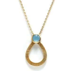 collier plaqué or et agathe bleue